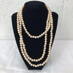 Jewelry - Faux Pearl Infinite Necklace Elegant Dressy Piece